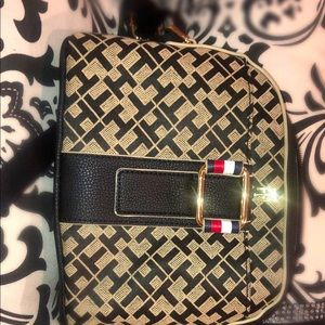 I sell a real Tommy Hilfiger handbag